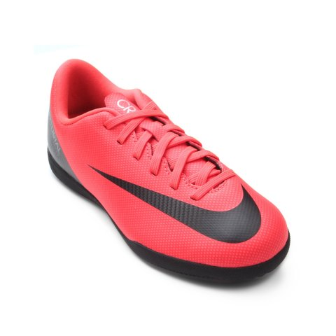 cb8e2b2be7 Chuteira Infantil Nike Mercurial Vapor 12 Club CR7 AJ3105-600 Coral Preto