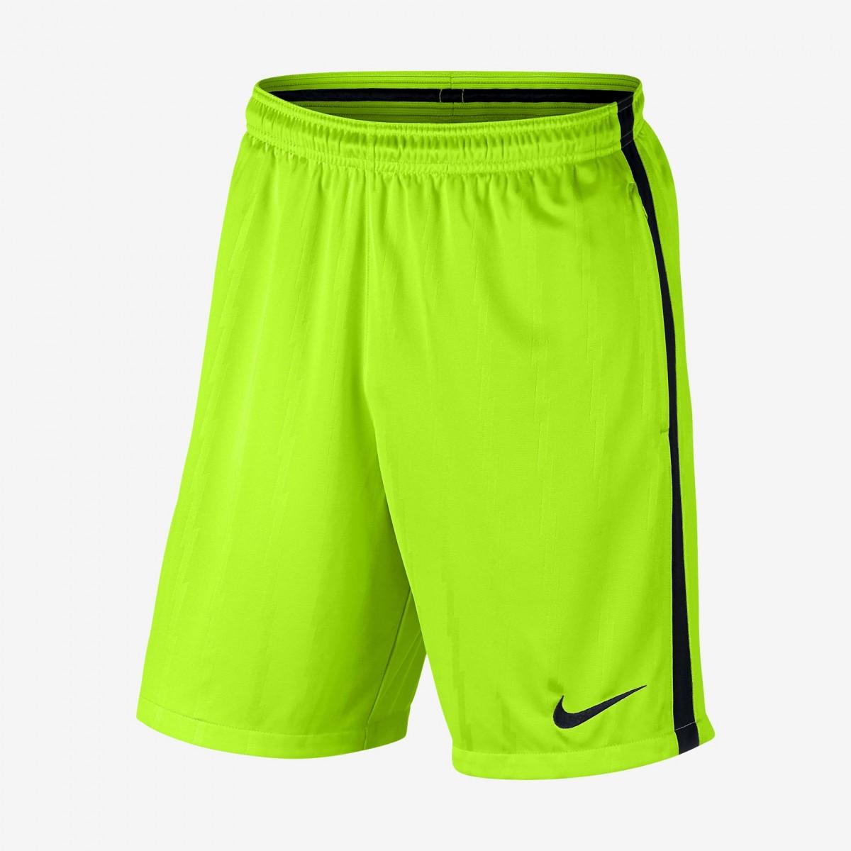 bacb39df8c Calção de Futebol Nike Squad 833012-336 - Verde Preto - Calçados ...