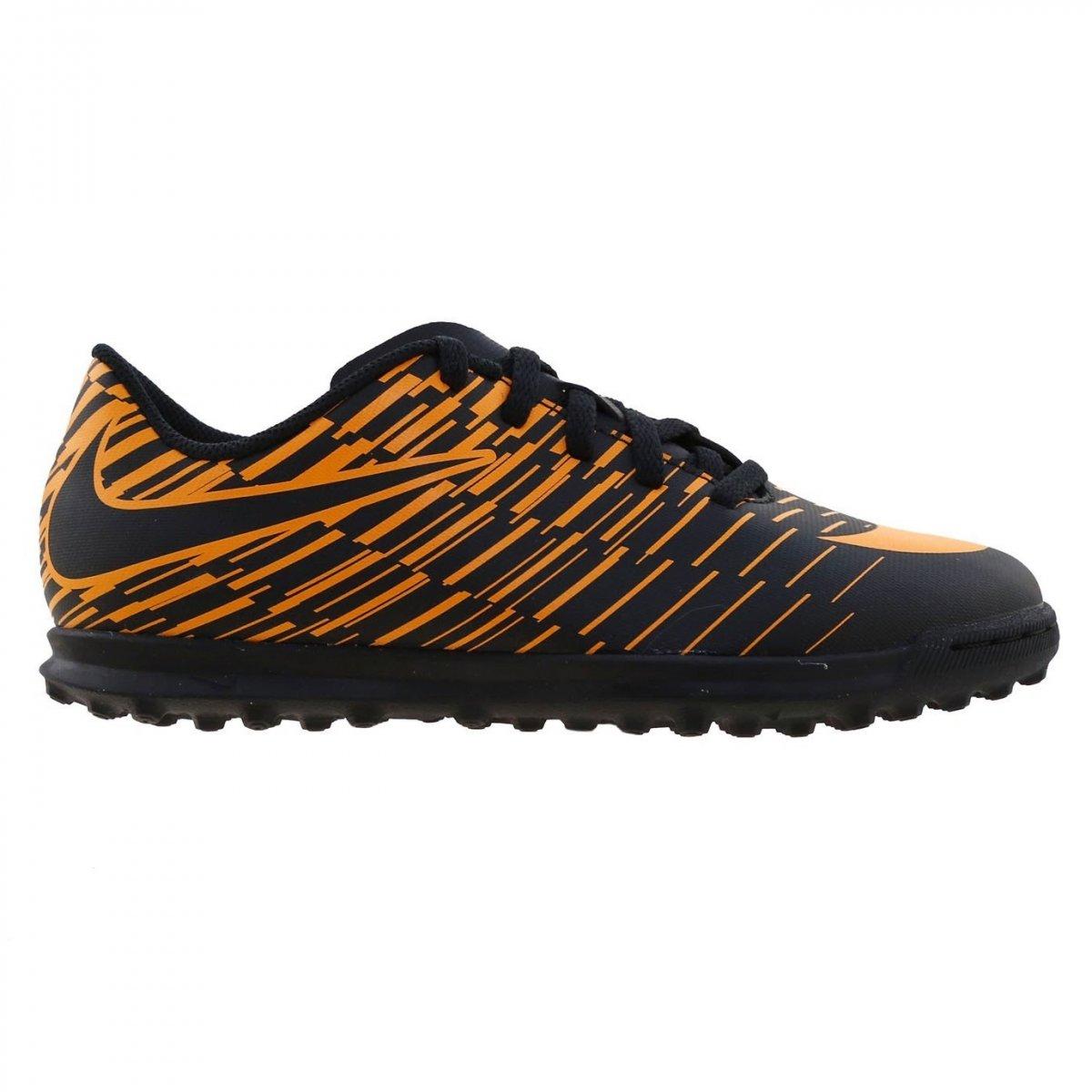 d09e629359 Chuteira F7 Nike Bravatax II TF 844437-002 Preto Laranja